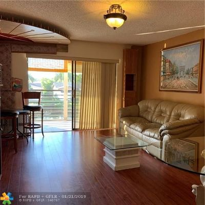 Sunrise Condo/Townhouse For Sale: 10442 N Sunrise Lakes Blvd #209