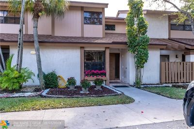 Coconut Creek Condo/Townhouse For Sale: 4672 NW 30th #4672