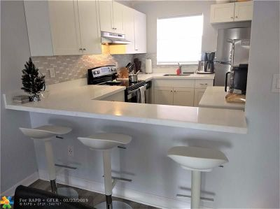 Margate Condo/Townhouse For Sale: 6770 Royal Palm Blvd #205