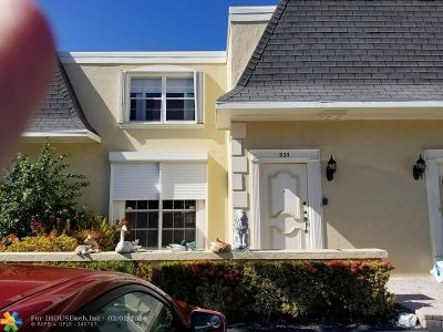 Hallandale Condo/Townhouse For Sale: 935 NE 24th Ave #170