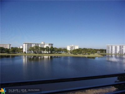 Pompano Beach Condo/Townhouse For Sale: 2801 N Palm Aire Dr #510