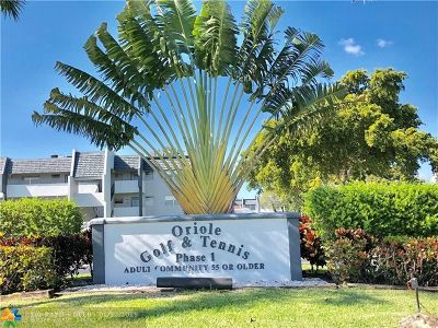 Margate Condo/Townhouse For Sale: 7857 Golf Circle Dr #202