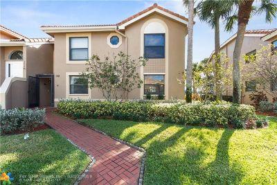 Boca Raton Condo/Townhouse For Sale: 10870 Lakemore Ln #102