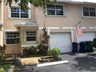 Cooper City Condo/Townhouse For Sale: 12142 SW 50th Ct #12142