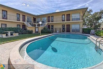 Pompano Beach Condo/Townhouse For Sale: 2190 SE 5th St #1