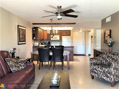 Pompano Beach Condo/Townhouse For Sale: 253 S Cypress Rd #249
