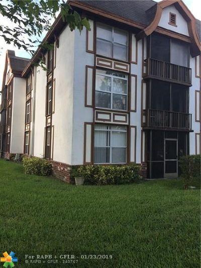 Lauderhill Condo/Townhouse For Sale: 3740 Inverrary #1J
