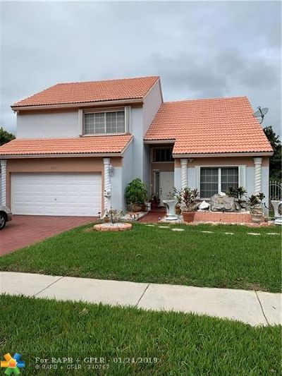 Lauderhill Single Family Home For Sale: 5711 NW 12th St