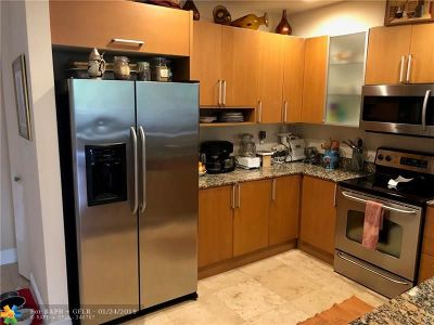 Fort Lauderdale FL Condo/Townhouse For Sale: $530,000