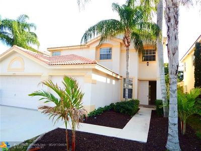 Boynton Beach Single Family Home For Sale: 3890 Newport Ave