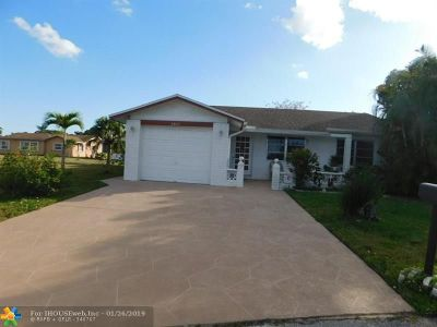 Tamarac Single Family Home For Sale: 8902 NW 70th Ct