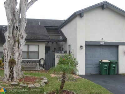 Tamarac Condo/Townhouse For Sale: 8107 NW 100th Way