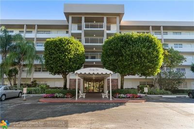 Pompano Beach Condo/Townhouse For Sale: 3850 Oaks Clubhouse #408