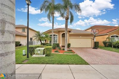 Coconut Creek Single Family Home For Sale: 5123 Woodfield Way