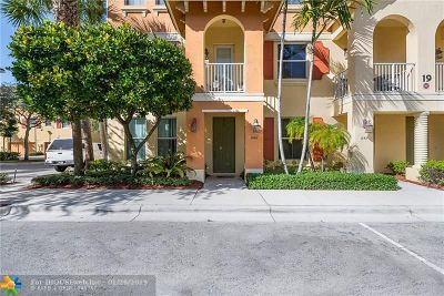 Boynton Beach Condo/Townhouse For Sale: 1346 Via De Pepi #1346