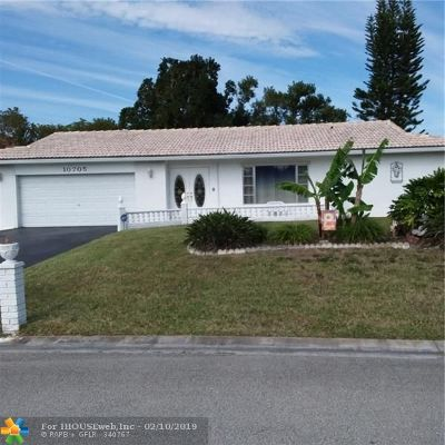 Tamarac Single Family Home For Sale: 10705 NW 81st St
