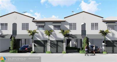 Pompano Beach Condo/Townhouse For Sale: 713 SE 1 Court #713