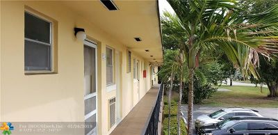 Aventura Condo/Townhouse For Sale: 2825 NE 201st Ter #m225