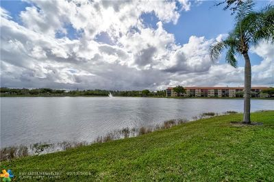 Pembroke Pines Condo/Townhouse For Sale: 13700 SW 14th St #405D
