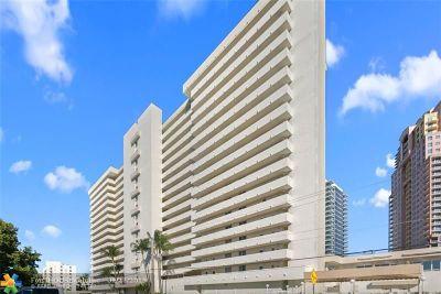 White Egret Condo/Townhouse For Sale: 2200 NE 33rd Ave #3D