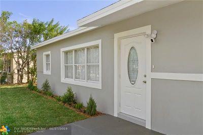 Oakland Park Single Family Home For Sale: 520 NE 58th Ct