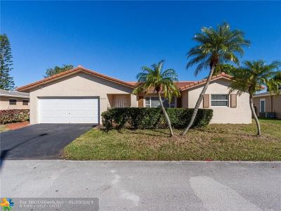 Tamarac Single Family Home For Sale: 7610 NW 66th Ter