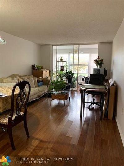 Sunrise Condo/Townhouse For Sale: 8400 Sunrise Lakes Blvd #206