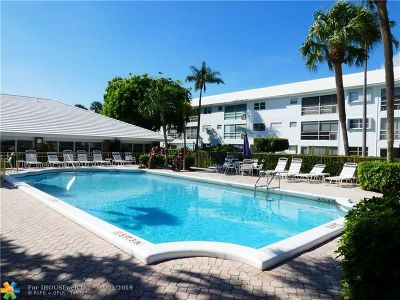 Lighthouse Point Condo/Townhouse Backup Contract-Call LA: 2050 NE 39th St #201N