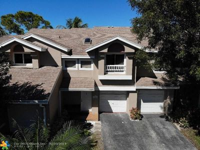 Deerfield Beach Condo/Townhouse For Sale: 2145 Discovery Cir #2145