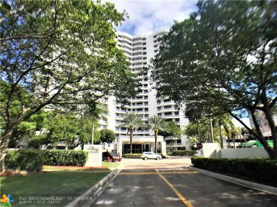 Aventura Condo/Townhouse For Sale: 3300 NE 192nd St #PH04