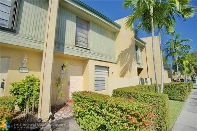 Pembroke Pines Condo/Townhouse For Sale: 1168 NW 97th Ave #232