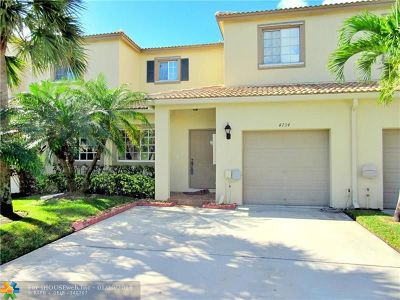Coconut Creek Condo/Townhouse For Sale: 4734 Lago Vista Dr #4734
