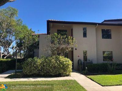 Boca Raton Condo/Townhouse For Sale: 9262 Vista Del Lago #23-B