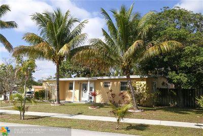Pompano Beach Single Family Home For Sale: 243 NE 40th St