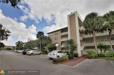 Coconut Creek Condo/Townhouse For Sale: 3003 Portofino Isle #B2