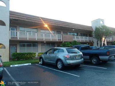 Sunrise Condo/Townhouse For Sale: 9061 Sunrise Lakes Blvd #214