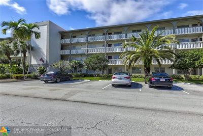 Coconut Creek Condo/Townhouse For Sale: 1601 Abaco Dr #A4