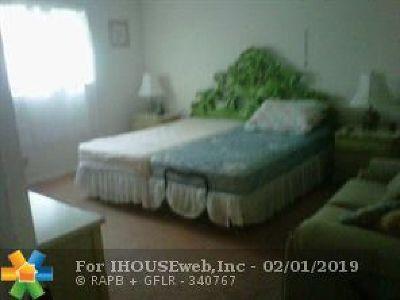 Tamarac Condo/Townhouse Backup Contract-Call LA: 5841 NW 61st Av #309