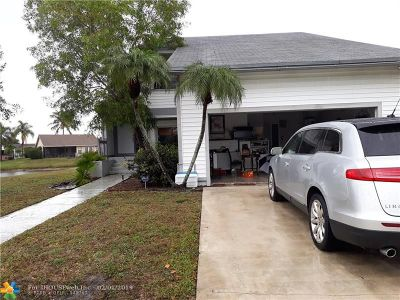 West Palm Beach Single Family Home For Sale: 4631 Brook Dr