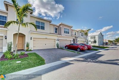Broward County Condo/Townhouse For Sale: 1422 Silk Oak Dr #1422