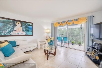 Pembroke Pines Condo/Townhouse For Sale: 900 SW 125th Way #303R