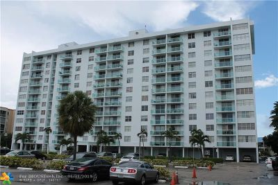 North Miami Beach Condo/Townhouse For Sale: 2841 NE 163rd St #214