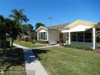 Delray Beach Condo/Townhouse For Sale: 5424 Lakefront Boulevard #C