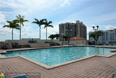 Fort Lauderdale Condo/Townhouse For Sale: 3020 NE 32nd Av #1107