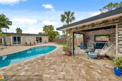 Oakland Park Single Family Home For Sale: 1556 NE 36th St