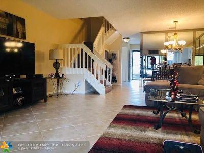Coconut Creek Condo/Townhouse For Sale: 3369 S Carambola Cir #2429