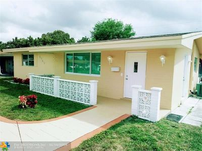 Pembroke Pines Single Family Home For Sale: 8240 NW 10th St