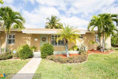 Oakland Park Single Family Home For Sale: 1 NE 51st Ct