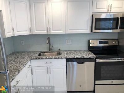 Margate Condo/Townhouse For Sale: 601 NW 77th Ave #103