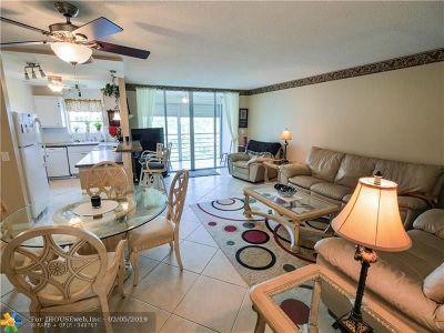 Pompano Beach Condo/Townhouse For Sale: 2731 NE 14th Street Cswy #619